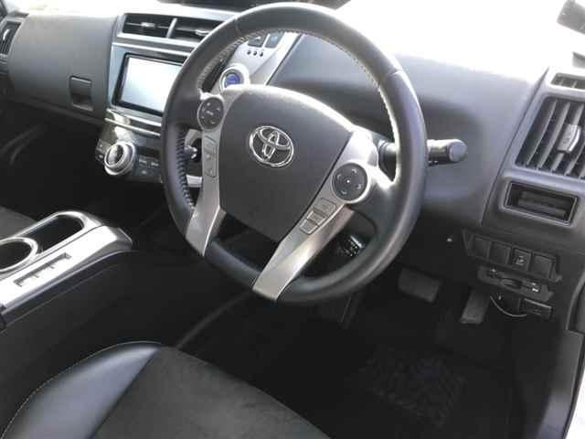 Toyota Prius Alpha G