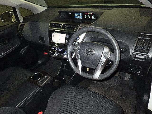 Toyota Prius Alpha SL